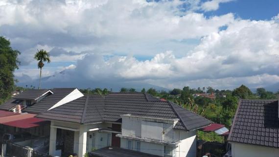 view Gunung Salamah Homestay